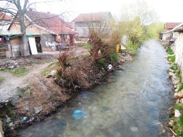 rijeka_Vesocnica_tek_koji_metara_udaljena_od_kuce_Cesa