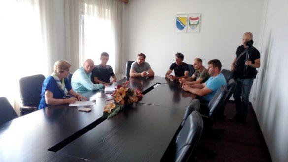sa_sastanka_mljekara_i_nacelnika_ajkunica