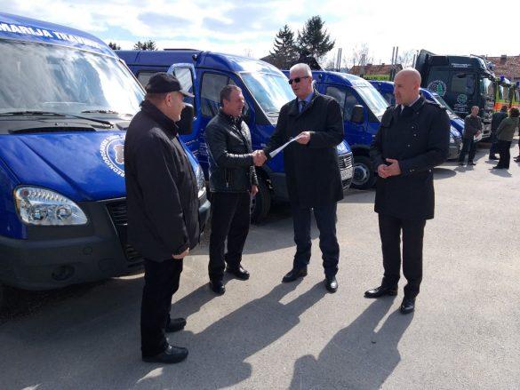 premijer_lendo_urucivao_kljuceve_novih_vozila_i_mehanizacije